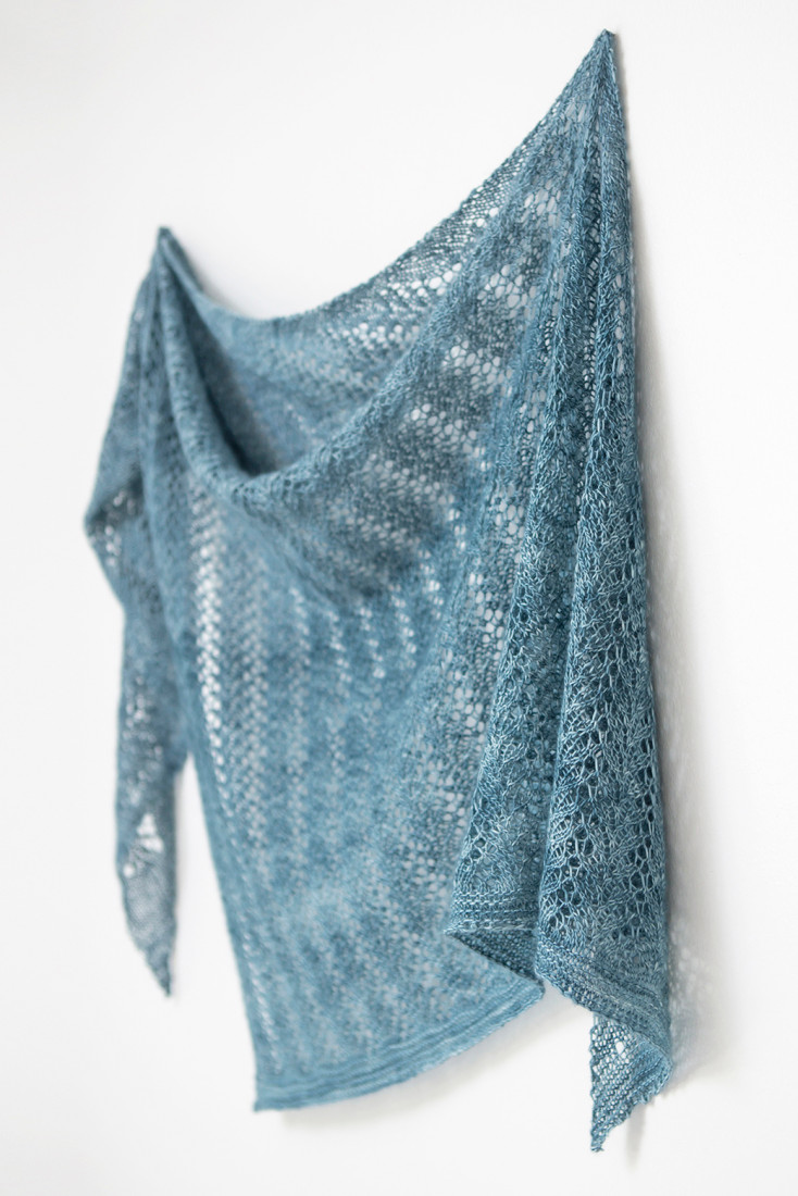 Lake Song shawl pattern rom Woolenberry
