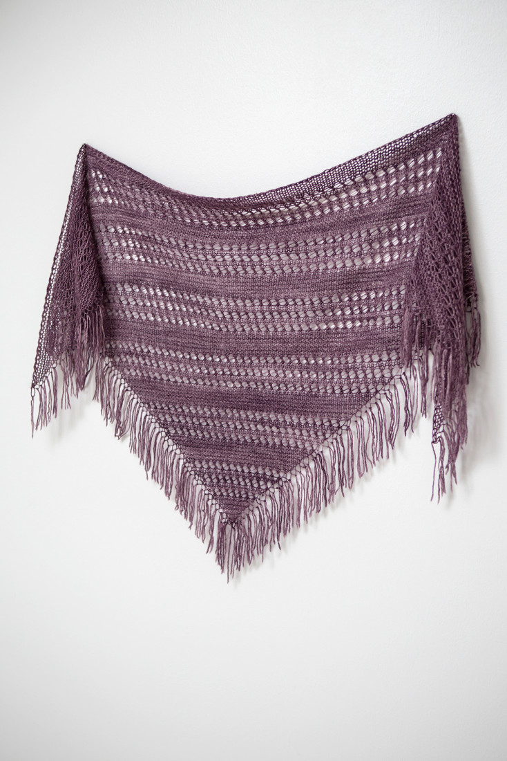 Flirty shawl pattern from Woolenberry