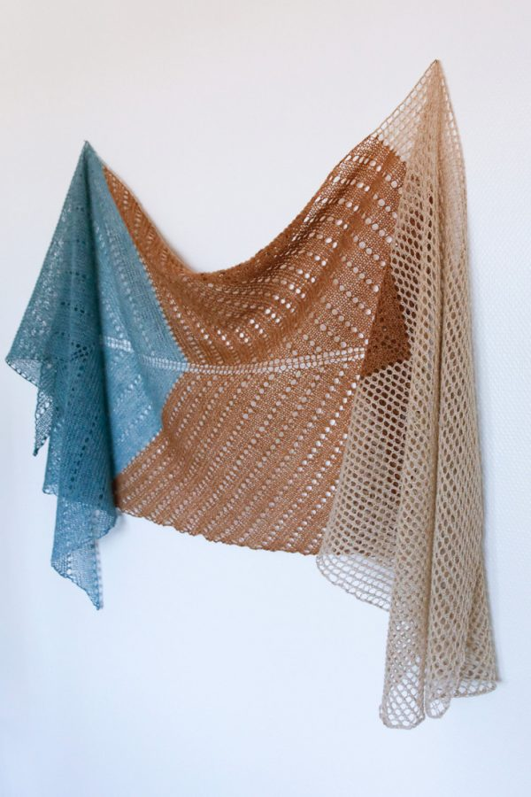 Sundial rectangle shawl pattern from Woolenberry