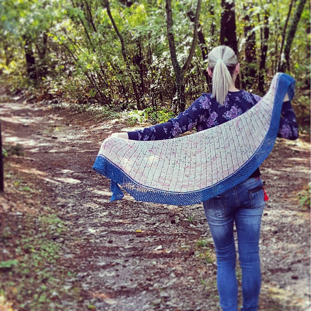 Project Love: Lighthouse shawl from Woolenberry
