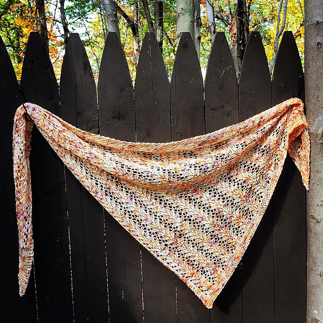 Lake Song shawl pattern from Woolenberry