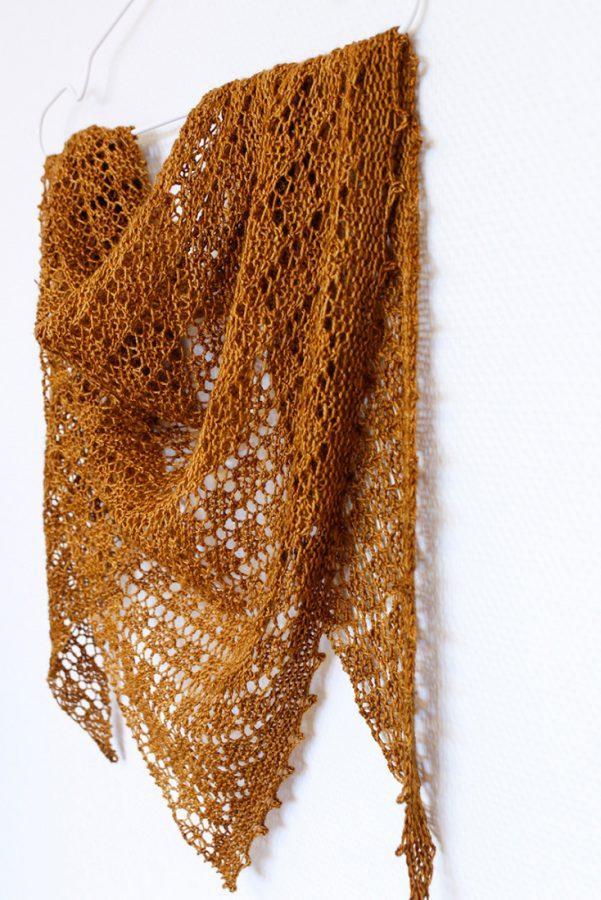 Sky of Diamonds shawl pattern from Woolenberry