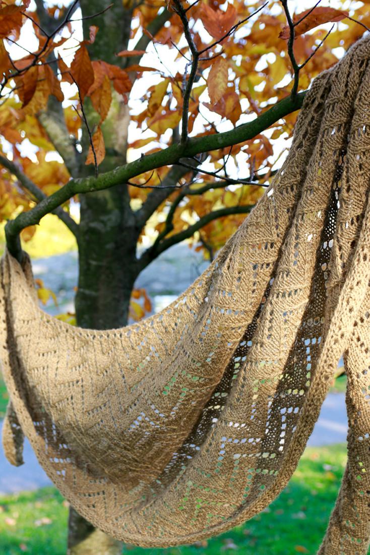 Soft Autumn shawl knitting pattern from Woolenberry